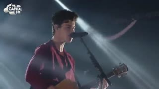 Shawn Mendes - 'There's Nothing Holdin' Me Backاجرای زنده از شاون مندز