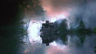 نماهنگ زیبا و آرام بخشی از گذر بر روی رودخانه آمازون