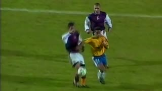 اولین گل رسمی رونالدینو
