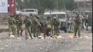 دستگیری و ضرب و شتم فلسطینیان توسط مزدوران و نفوذی های رژیم منحوس صهیونیستی